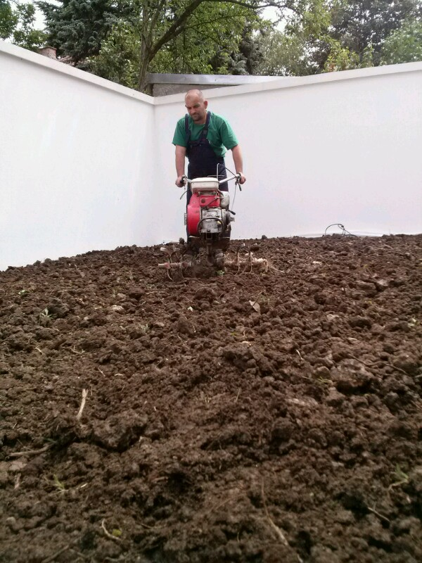 Sejanje trave – Postavljanje tepih trave